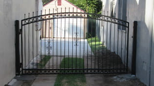 residential driveway gate 2