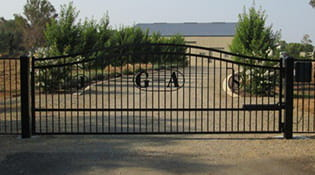 residential driveway gate 5
