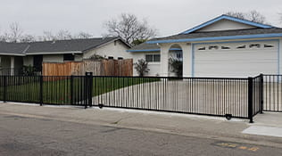 residential driveway gate 6